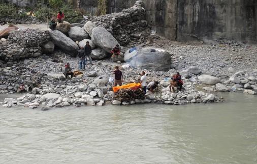 cremation-pokhara-nepal