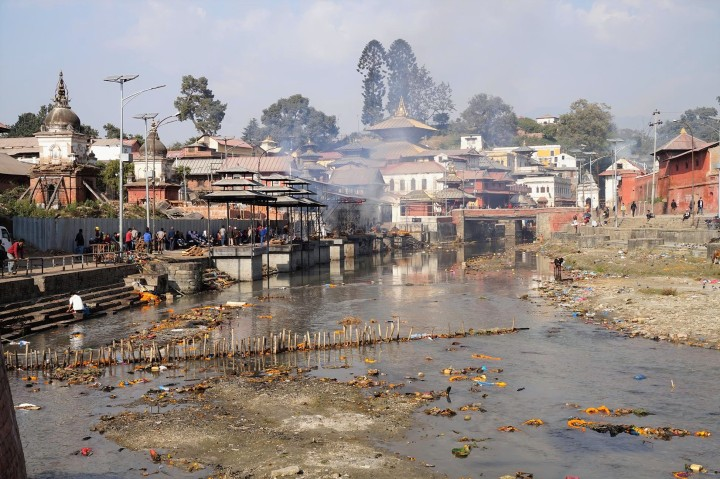 pashupathinath-cremation-katmandou-nepal