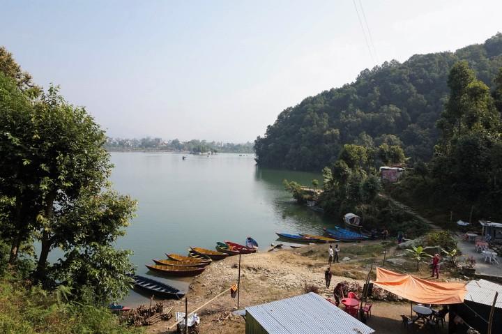 boat-rental-phewa-lake-pokhara-nepal