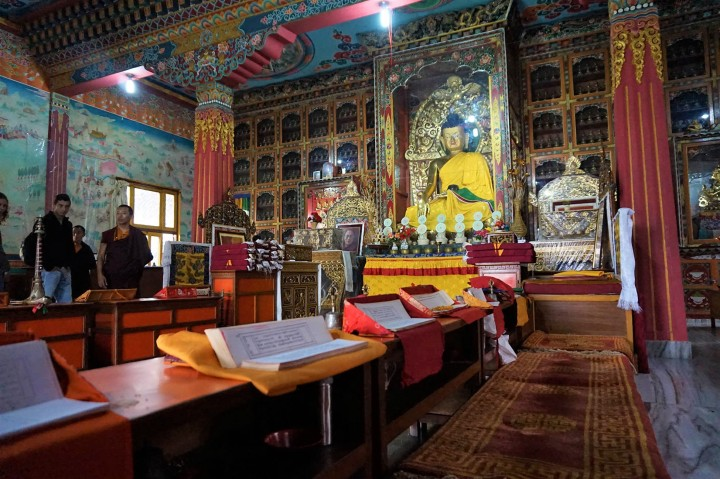 buddhist-temple-tibetan-pokhara-nepal
