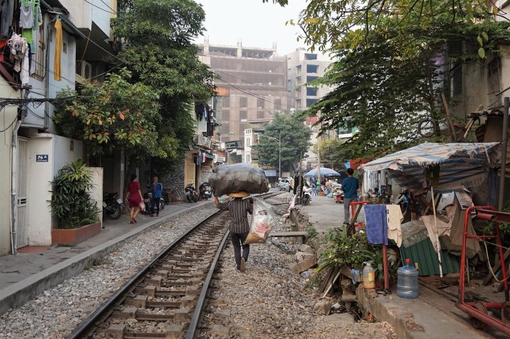 hanoi-rail-way-vietnam