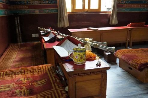 inside-temple-pokhara-nepal