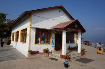 japanese-temple-peace-pagoda-pokhara-nepal