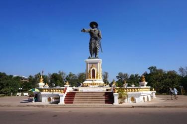 Momunent Chao Anouvong, le dernier roi du Laos