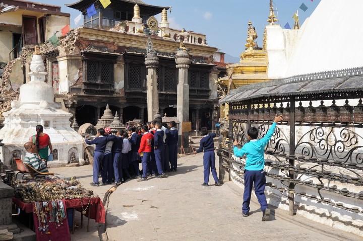 scholar-group-swayambhunath-nepal-katmandou