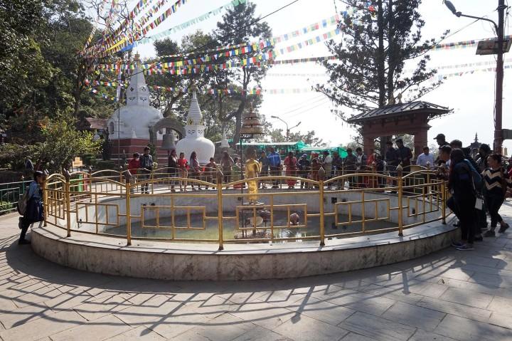 swayambhunath-fountain-nepal-katmandou-temple