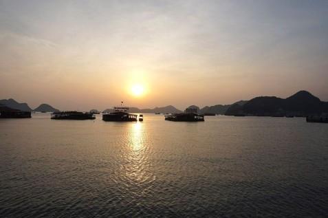vietnam-lan-ha-bay-08